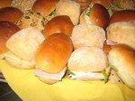 mini sandwichen en piestoleetjes
